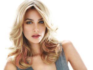 highlighted blonde hair, Farnham hair salon