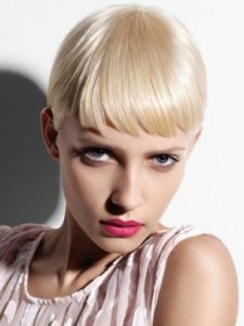short-Platinum-Blonde-hair-colour-cut-salon