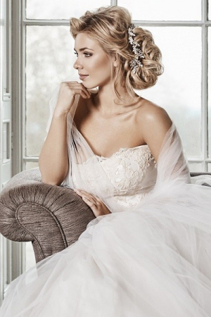 bridal hair & make-up at Ruby Mane Hairdressing Salon in Farnham  www.ginnymarsh.co.uk