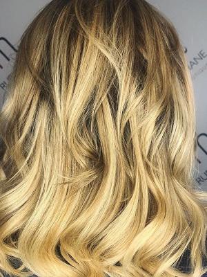 golden-blonde-hair-colours-ruby-mane-hair-boutique-farnham-surrey